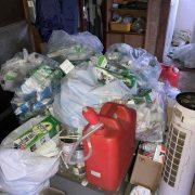 ゴミ屋敷化した室内の片付け前